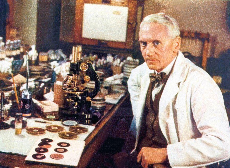 История открытия антибиотиков и их роль в современной фармакологии